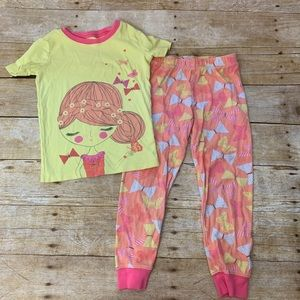 Girls cotton pajamas by Children's Place. Size 5